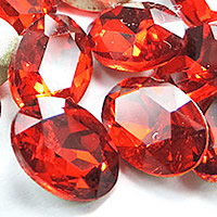 Kristall Eisen auf Nagelkopf, oval, silberfarben plattiert, Rivoli-Rückseite & facettierte, Siam, 20x30mm, 48PCs/Tasche, verkauft von Tasche