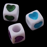 Volltonfarbe Acryl Perlen, Würfel, mit einem Muster von Herzen, keine, 7x7mm, Bohrung:ca. 3mm, ca. 1950PCs/Tasche, verkauft von Tasche