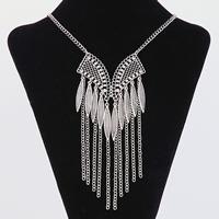 Mode-Fringe-Halskette, Zinklegierung, mit Eisenkette, mit Verlängerungskettchen von 5cm, antik silberfarben plattiert, Twist oval & mit Strass, frei von Blei & Kadmium, 395x50mm, verkauft per ca. 15.5 ZollInch Strang
