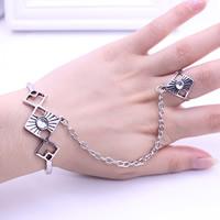 Zink-Legierung Armband-Ring, Zinklegierung, Rhombus, antik silberfarben plattiert, einstellbar & mit Strass, frei von Blei & Kadmium, 18mm, 56mm, Innendurchmesser:ca. 56mm, Größe:7.5, Länge:ca. 6.5 ZollInch, verkauft von setzen