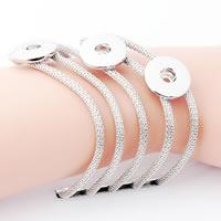 Snap-Knopf-Armband, Zinklegierung, Platinfarbe platiniert, für Frau & Multi-Strang, frei von Blei & Kadmium, 18mm, Innendurchmesser:ca. 6mm, verkauft per ca. 7 ZollInch Strang