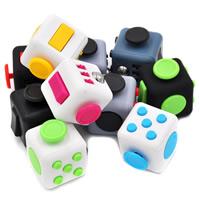 Kunststoff Fidget Cube, Quadrat, verschiedene Stile für Wahl, 62x62x43mm, 33mm, 3PCs/Tasche, verkauft von Tasche