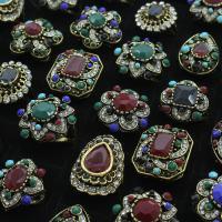 Zinklegierung Fingerring , antike Goldfarbe plattiert, Mischringgröße & für Frau & mit Harz Strass & mit Strass & gemischt, frei von Blei & Kadmium, 23x28x24mm-22.5x29x26mm, Größe:6.5-11, 50PCs/Box, verkauft von Box
