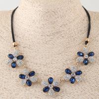Zinklegierung Halskette, mit Nylonschnur, Blume, plattiert, für Frau & mit Strass, keine, frei von Blei & Kadmium, 100x28mm, verkauft per ca. 16.5 ZollInch Strang