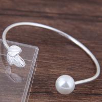 Messing Armreif, mit Kunststoff Perlen, plattiert, für Frau, Silberfarbe, frei von Nickel, Blei & Kadmium, 55*10mm, verkauft von PC