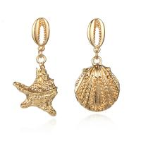 Zinklegierung asymmetrische Ohrringe, goldfarben plattiert, für Frau, frei von Nickel, Blei & Kadmium, 23x50mm,23x47mm, 2PaarePärchen/Menge, verkauft von Menge