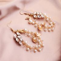 Braut Ohrring, Zinklegierung, mit ABS-Kunststoff-Perlen & Messingdraht, für Frau & mit Strass, goldfarben, 4.5cnmx8.5cm, verkauft von Paar